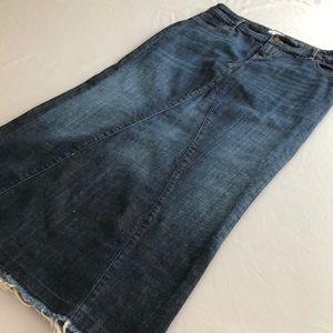 MAURICES Sz 31 Modest No-Slit Denim Skirt